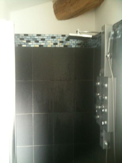 La grande douche à l'italienne : 1m x 1m