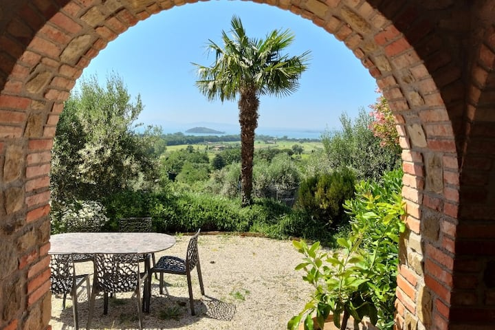 Bellavista:relax among the hills of Trasimeno lake
