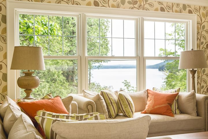 Luxury cottage on Lake Massawippi - North Hatley