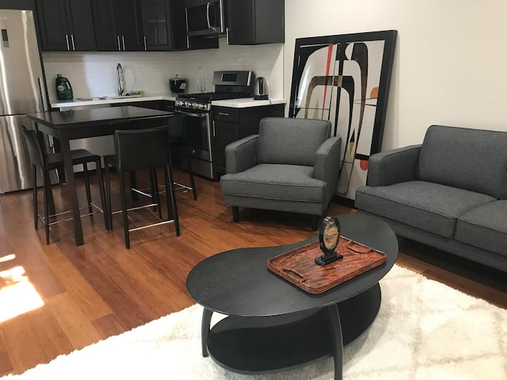 Modern Apartment in Great North Berkeley Area