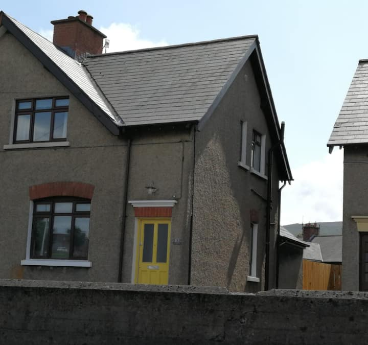 Shingle Cottage in the heart of Ballycastle