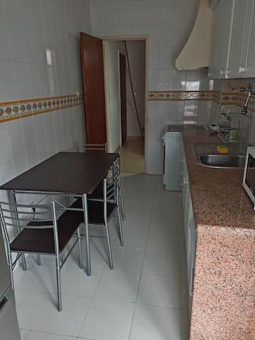 Cozy Room, Nice Neighborhood in Setúbal centre