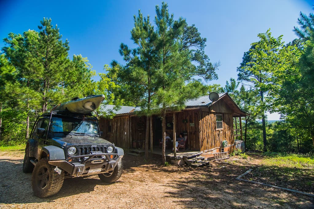 Hilltop cabin views for miles smithville bastrop Texas cabins in the woods