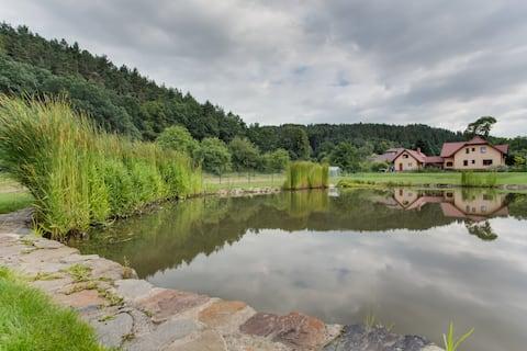BEATIFUL trout & sheep farm house