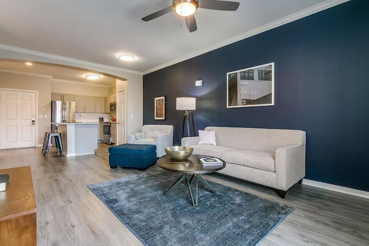 Serene 1BR w/ Pool + Gym in Historic West End