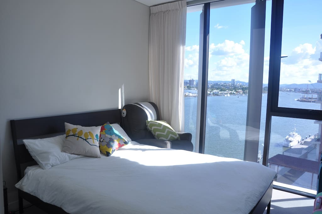 Enjoy river view from your bed + comfortable bed and sofa!