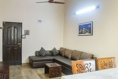 Chic 1BHK Apartment for 3 with a Balcony View - Siolim