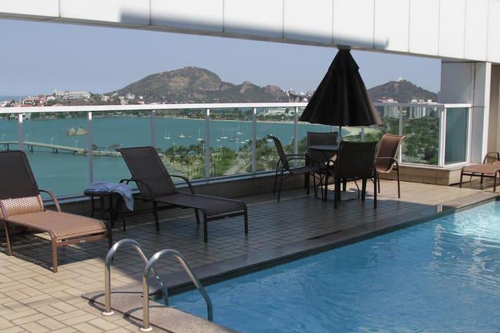 Praia do Canto Apart Hotel, conforto e vista 10!
