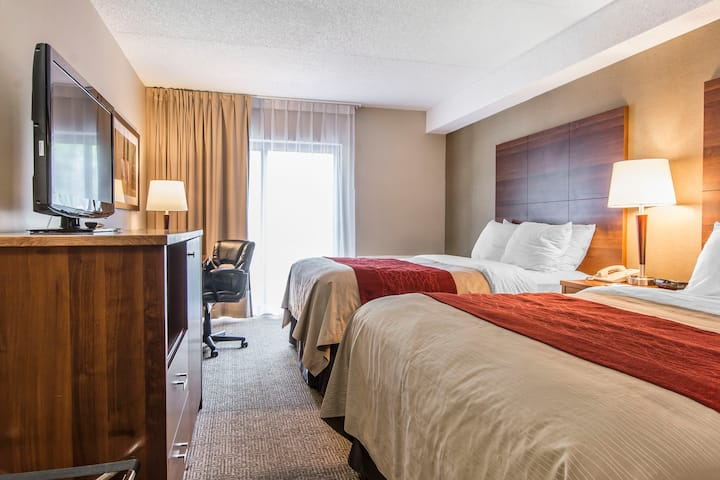 Updated Comfort Inn Huntsville Double Queen Room 7