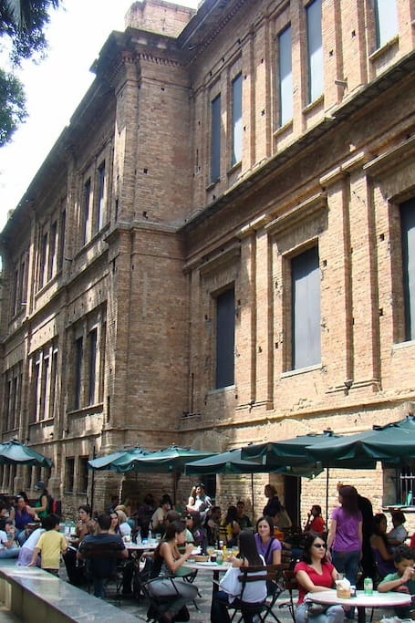 Café anexo a Pinacoteca