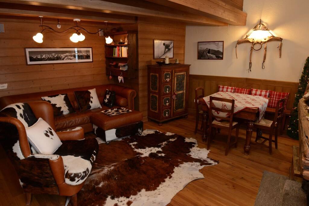 Appartamento in stile baita nel centro di bormio for Casa in stile baita