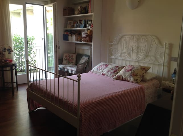 Cosy room in central Bra - Bra - Apartamento