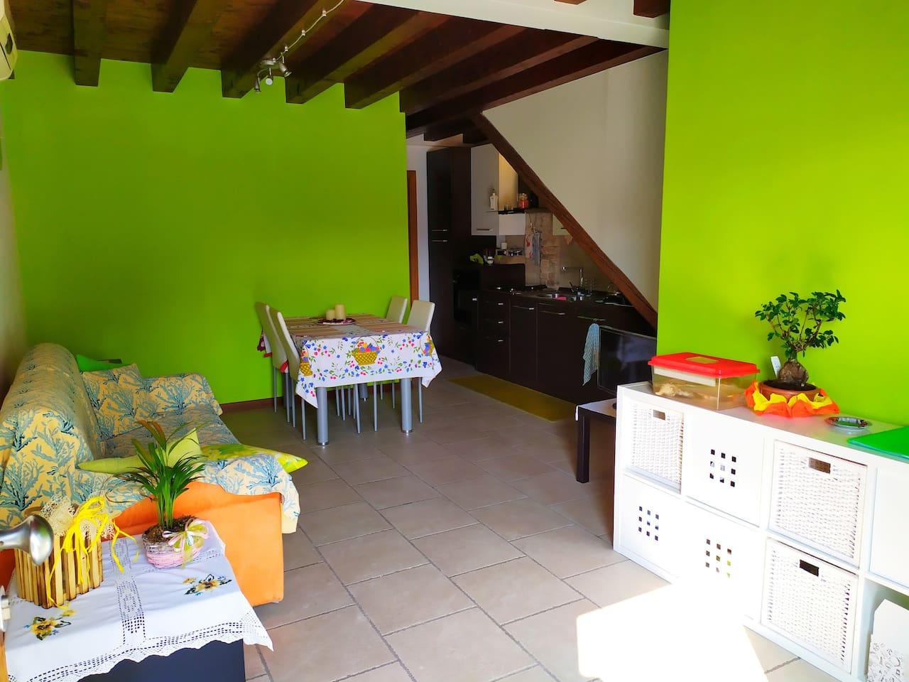 Tavolo Cucina 4 Sedie.La Casa Di Francy Flats For Rent In Mira