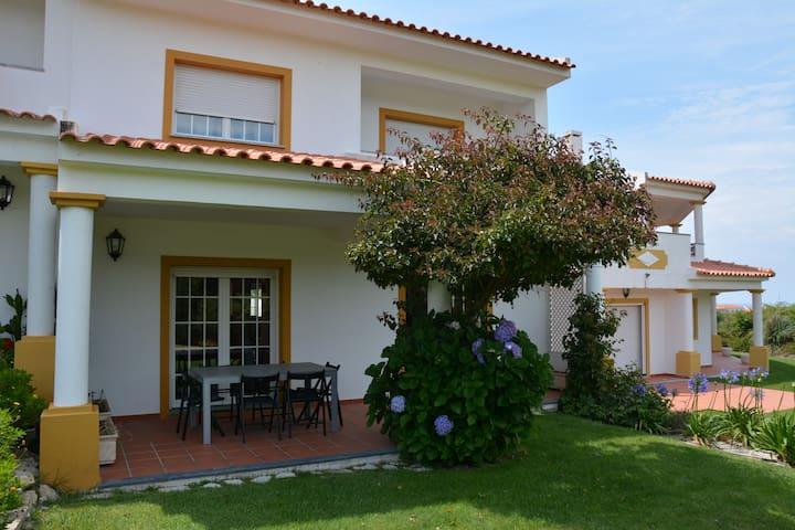 Casa de Férias na Praia d'el Rey - Vale Benfeito - Casa