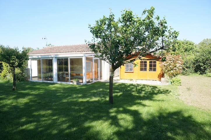Maison de plain pied 65 m2 / Jardin privatif. - Castelnau-d'Estrétefonds - Huis