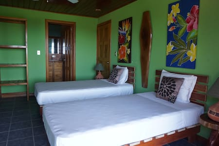 Ocean View twins room AC & Hot Water - Mariposa 2 - Ostional