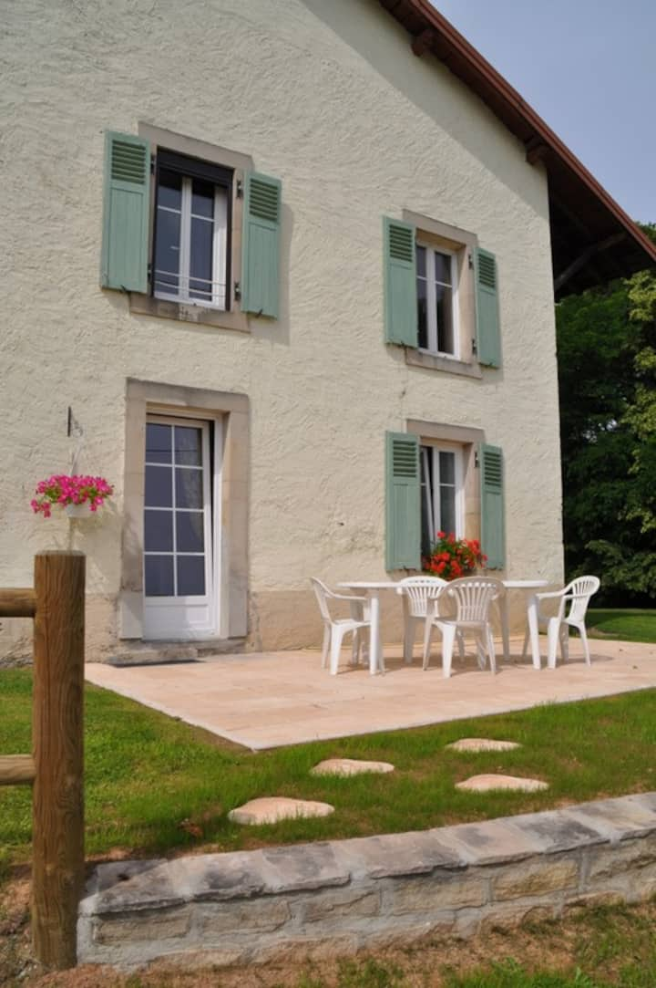 Guest house near Epinal and lake