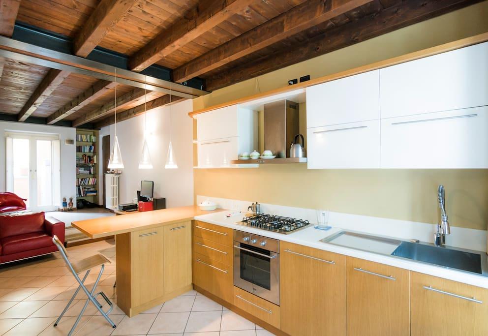 Accogliente trilocale in centro storico appartamenti in for Appartamenti arredati in affitto brescia
