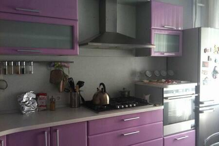 Комфортная квартира - 基洛夫 - 公寓