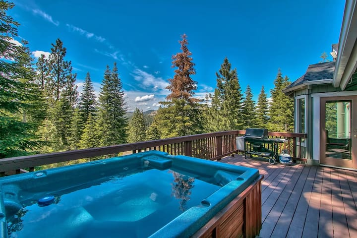 Mountain Escape with Spa and View! - South Lake Tahoe - Ház
