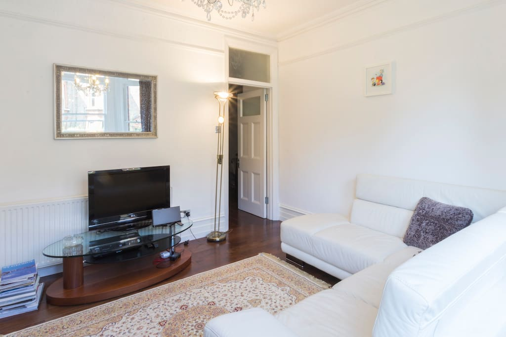 central luxury two bedroom flat apartments for rent in london