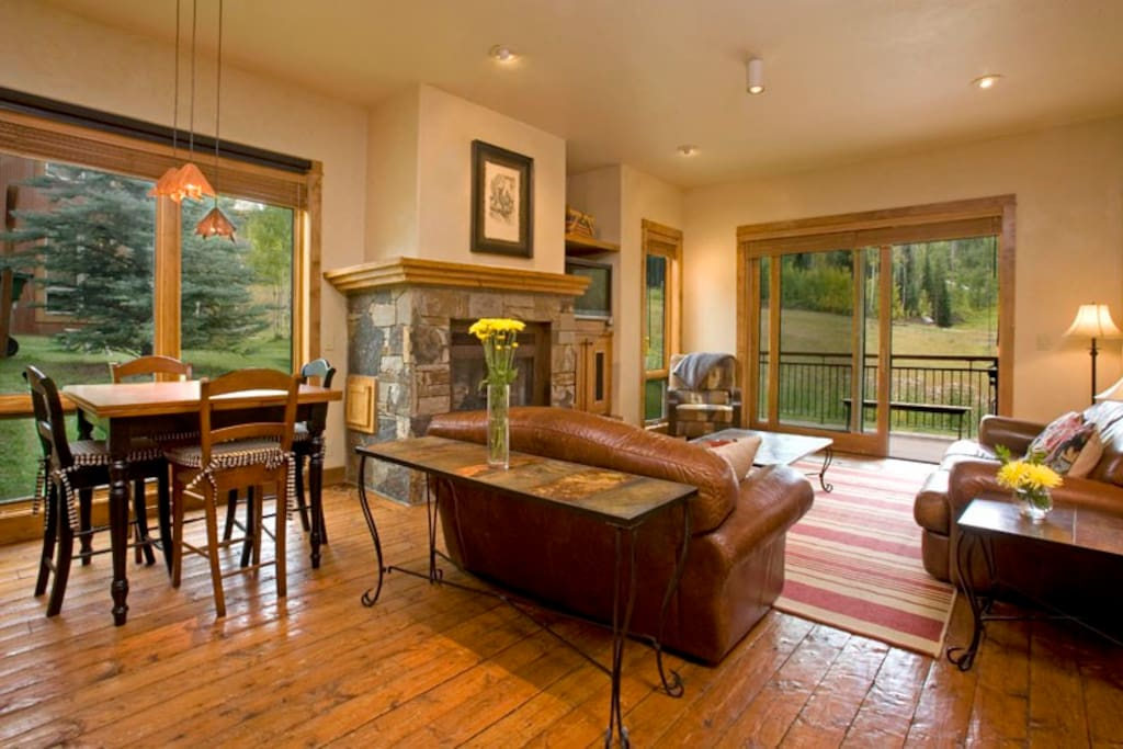 Pop open a bottle of wine, turn on the fire and relax in the spacious living room.