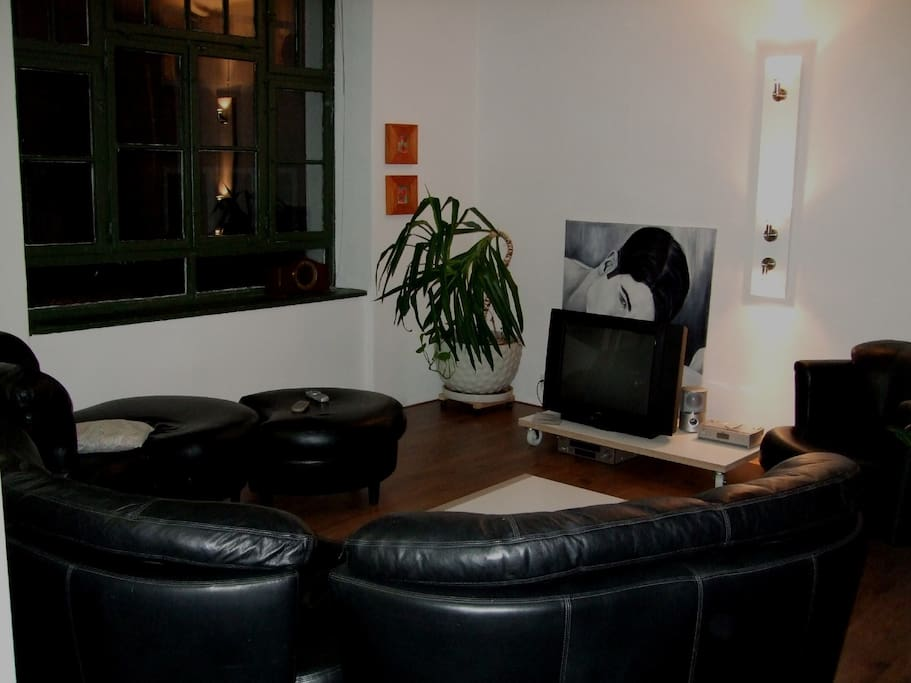 mini loft in stuttgart near ccenter lofts for rent in stuttgart baden wurttemberg germany. Black Bedroom Furniture Sets. Home Design Ideas