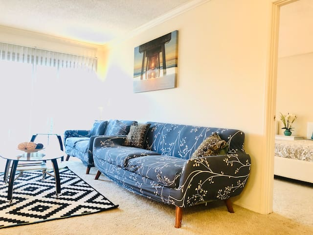Pacific beach  2 Bedroom Apt Ready for the Winter
