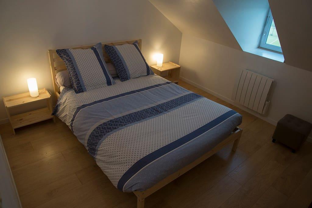 Chambre lit double 2eme étage