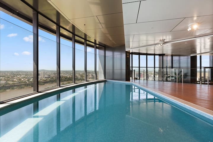 40th Floor swimming pool