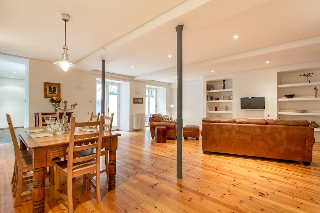 The old school house new town 3bd apartments for rent for Classic house edinburgh