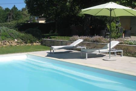 gîte indépendant avec accès piscine