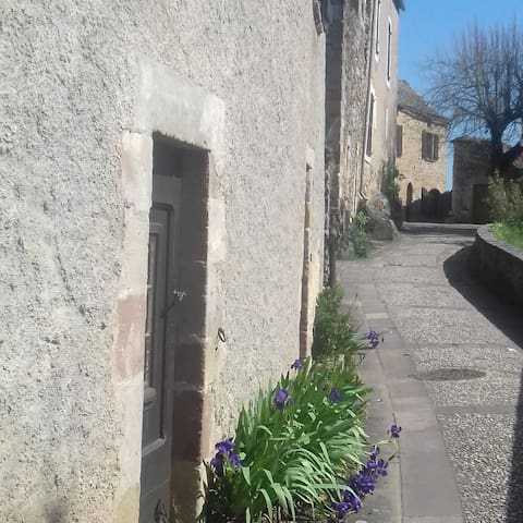 Studio for 2 in beautiful Najac