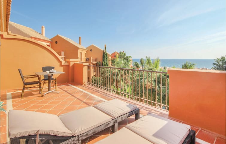 Holiday apartment with 2 bedrooms on 75m² in Manilva