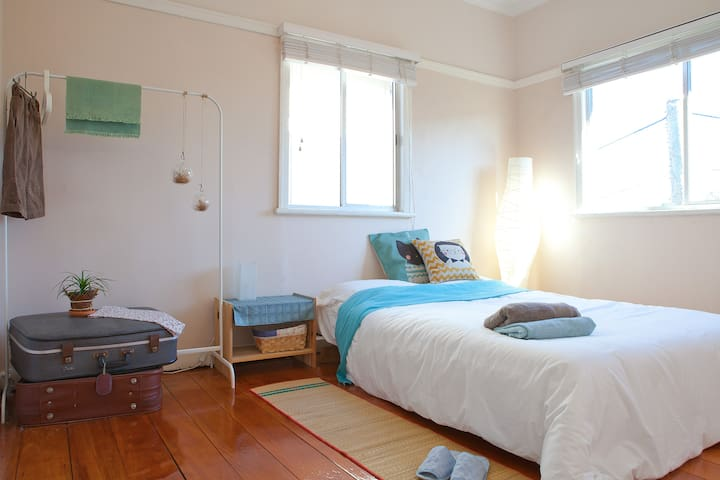 Prime location, free parking - South Brisbane - Pis