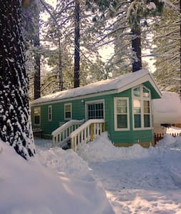 Cottage in the Heart of South Lake - South Lake Tahoe