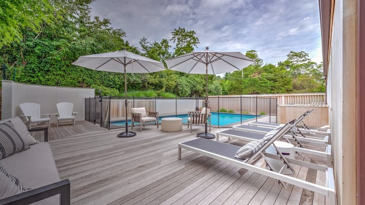 NEW LISTING: Beautifully renovated modern beach home