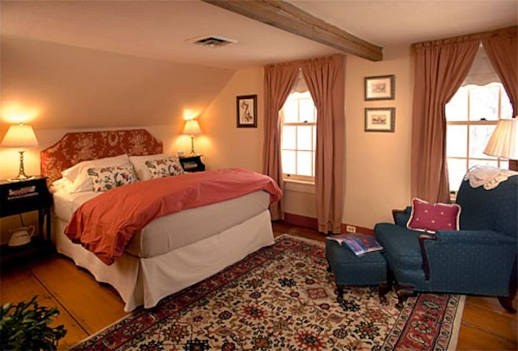 All four bedrooms are spacious, yet cozy, elegant yet comfortable. Each has a private bath and queen or king size bed.
