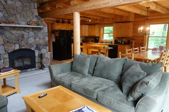 Log Home on Newfound Lake 4 Season - ヘブロン - 一軒家