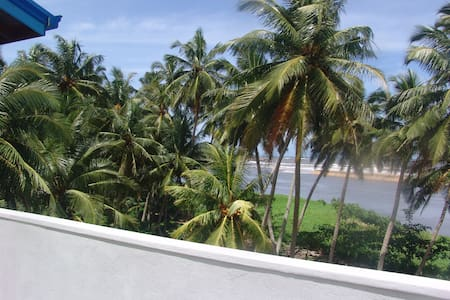 Villa , Blue sky Aquamarine - กอลล์