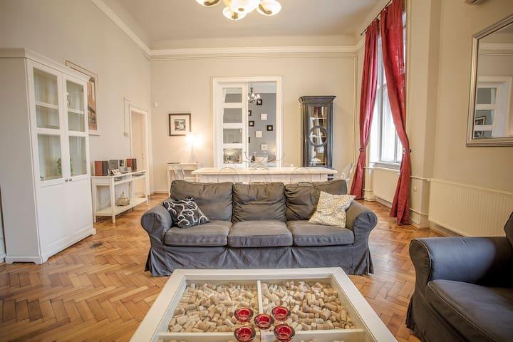 EntreAmisXXL 4 bdr 195m²AC!! - Budapeste - Apartamento