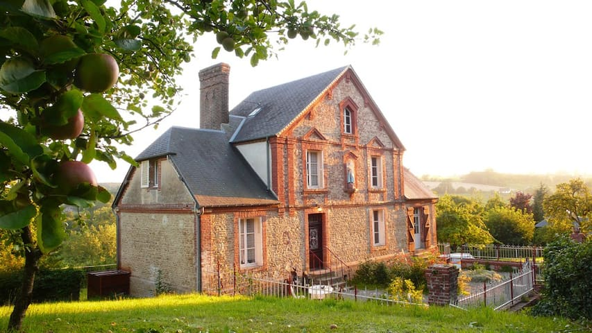 Charmant presbytère en Basse-Normandie