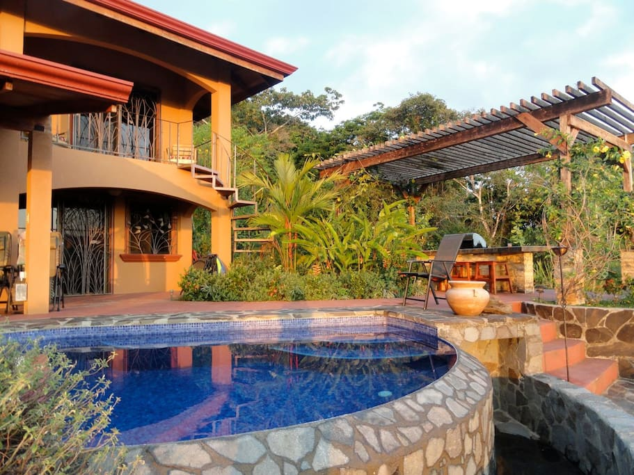 Villa mountain serenity dominical villas for rent in for Villas for rent in costa rica