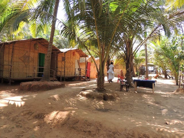 Goa Huts in Best location - ARAMBOL - Arambol - Pondok