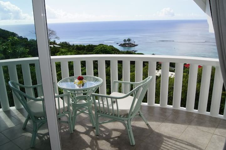 Fine View 1 in Anse Royale/Mahe Y - Anse Royale - Talo
