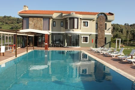 Dream Villa with pool and view - Kozbeyli