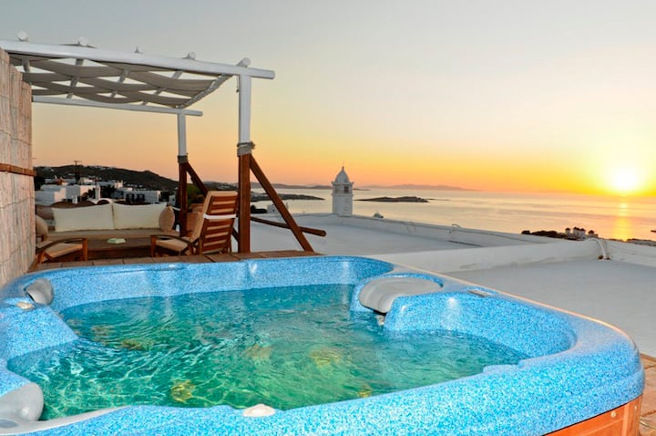 Orange Suite in Mykonos Town
