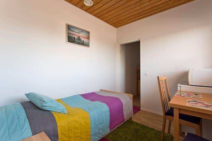 A cosy studio near Helsinki Airport - Vantaa - Casa