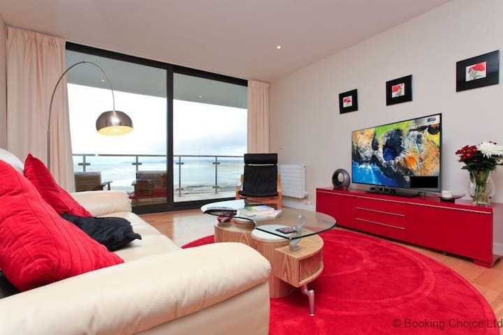 WESTWARD HO! HORIZON VIEW 50 | 2 Bedrooms|Stunning Sea Views towards Lundy Island|