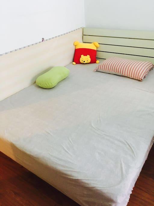 被好几个人吐槽我照片拍的渣,这个床笠虽然不上相,但是超舒服好么~